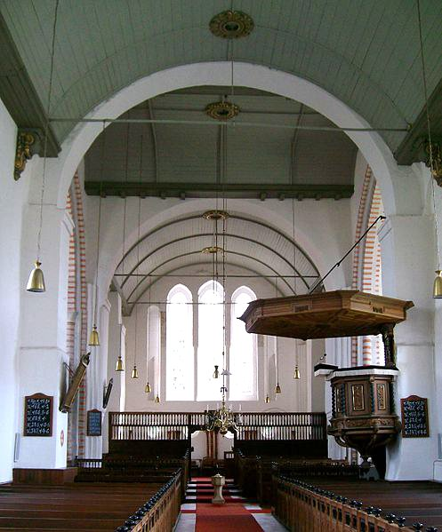 Kirche in Bunde, Kirchenschiff, Foto: Wikiwal https://commons.wikimedia.org