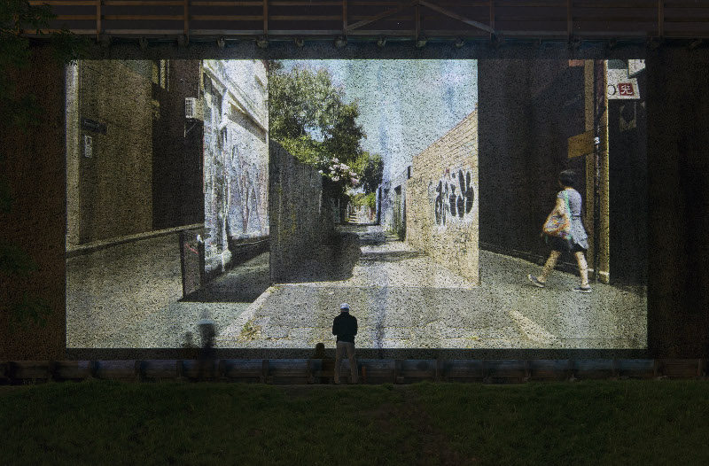 "Daniel Crooks: ""A Garden of Parallel Paths"", 2012. Foto: Franz Wamhof (4)"